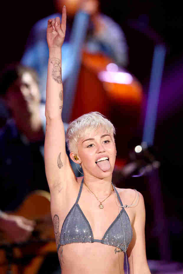"Miley Cyrus Gets Restraining Order Against ""Delusional"" Fan (VIDEO)"