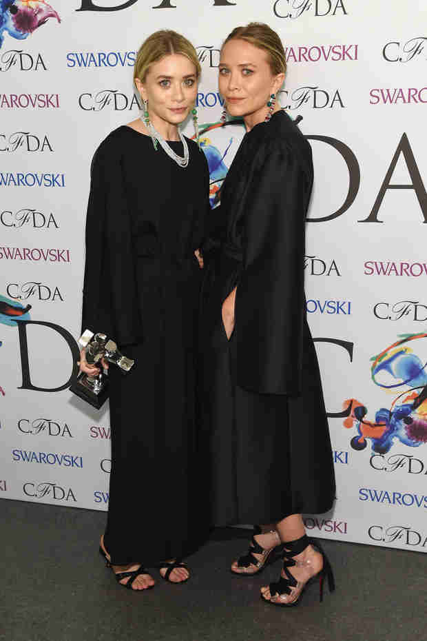 Mary-Kate and Ashley Olsen Win Big at the 2014 CFDA Awards — See Their Matching Outfits! (PHOTO)