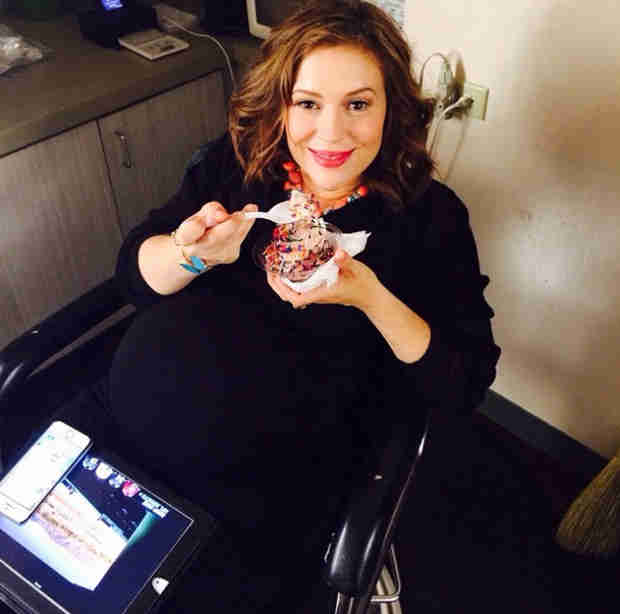 What Is Pregnant Alyssa Milano Craving? (PHOTO)