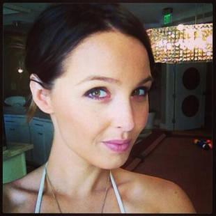 Camilla Luddington Returns to Lara Croft Role For Rise of the Tomb Raider (VIDEO)