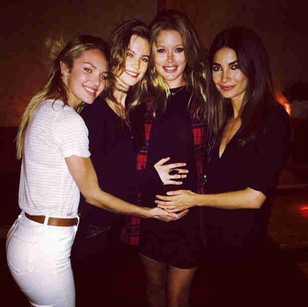 Doutzen Kroes Shows Off Her Baby Bump with Victoria's Secret Angel Models (PHOTO)