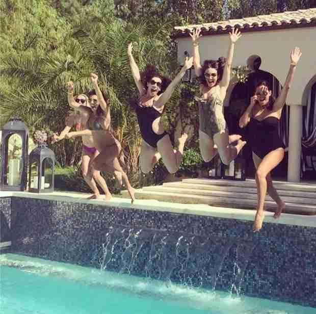 Kourtney Kardashian Shares Bikini Baby Bump Pic — So Cute! (PHOTO)