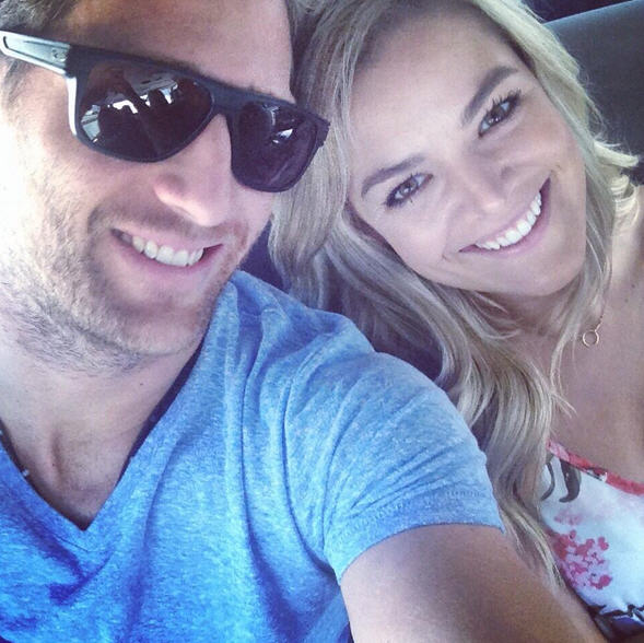 Juan Pablo and Nikki Ferrell Engaged? The Bachelor Posts Ring Picture!