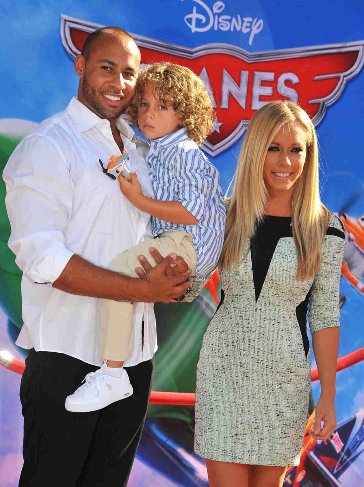 Kendra Wilkinson and Hank Baskett Share Baby Alijah Mary's First Family Photo!