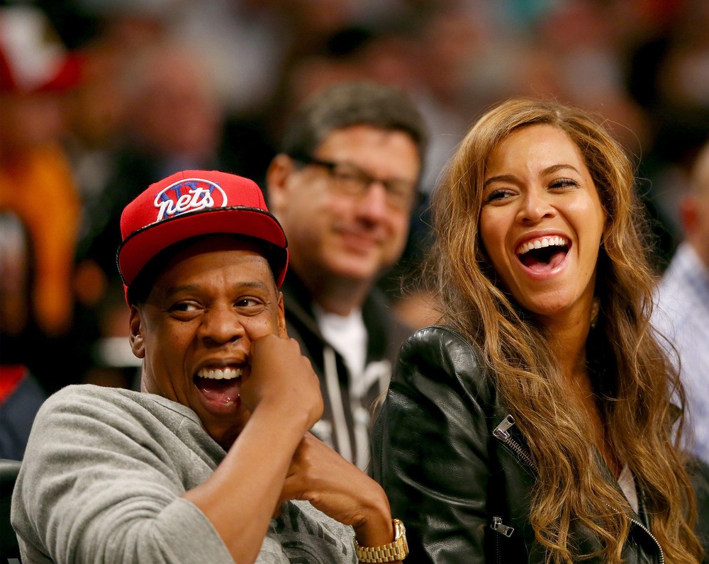 "Beyonce and Jay-Z Slam Justin Bieber During Concert: ""Even the Greatest Can Fall"" (VIDEO)"