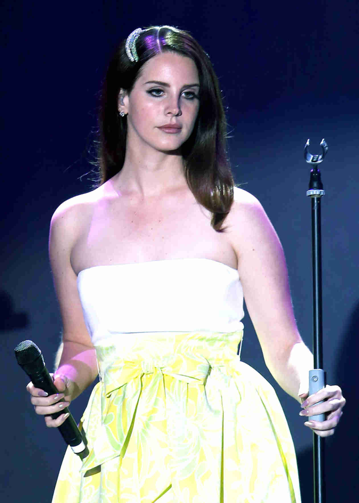 "Kurt Cobain's Daughter Calls Out Lana Del Rey For ""I Wish I Was Dead"" Comments"