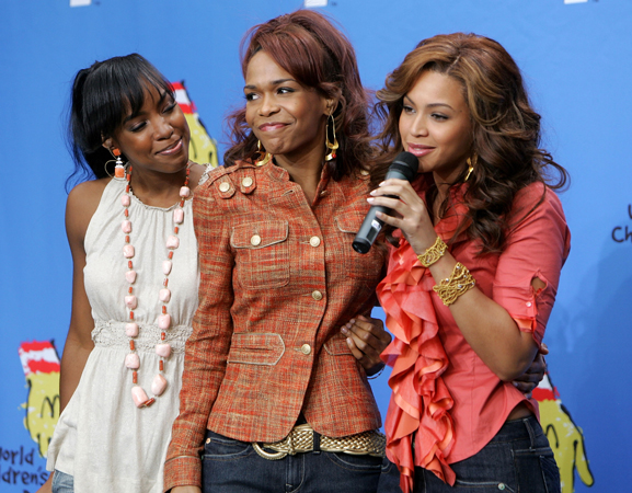Destiny's Child Reunites in Michelle Williams New Music Video!