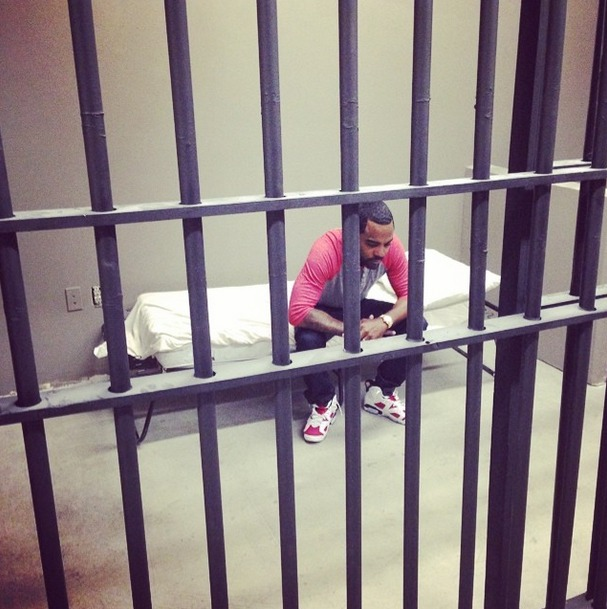 Todd Tucker Posts a Picture From Behind Bars — What's He Doing in There? (PHOTO)