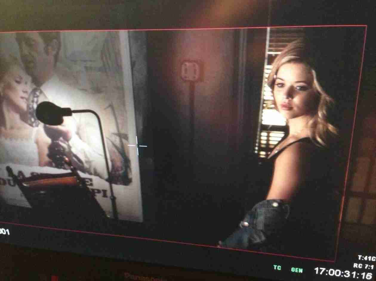Pretty Little Liars Spoilers: What's Wrong, Ali? (PHOTO)