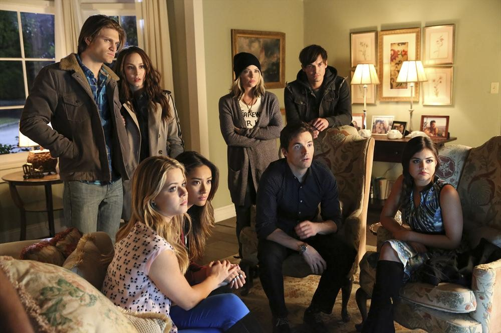 "Pretty Little Liars 100th Episode — Marlene King Teases ""Epic Emotion"""