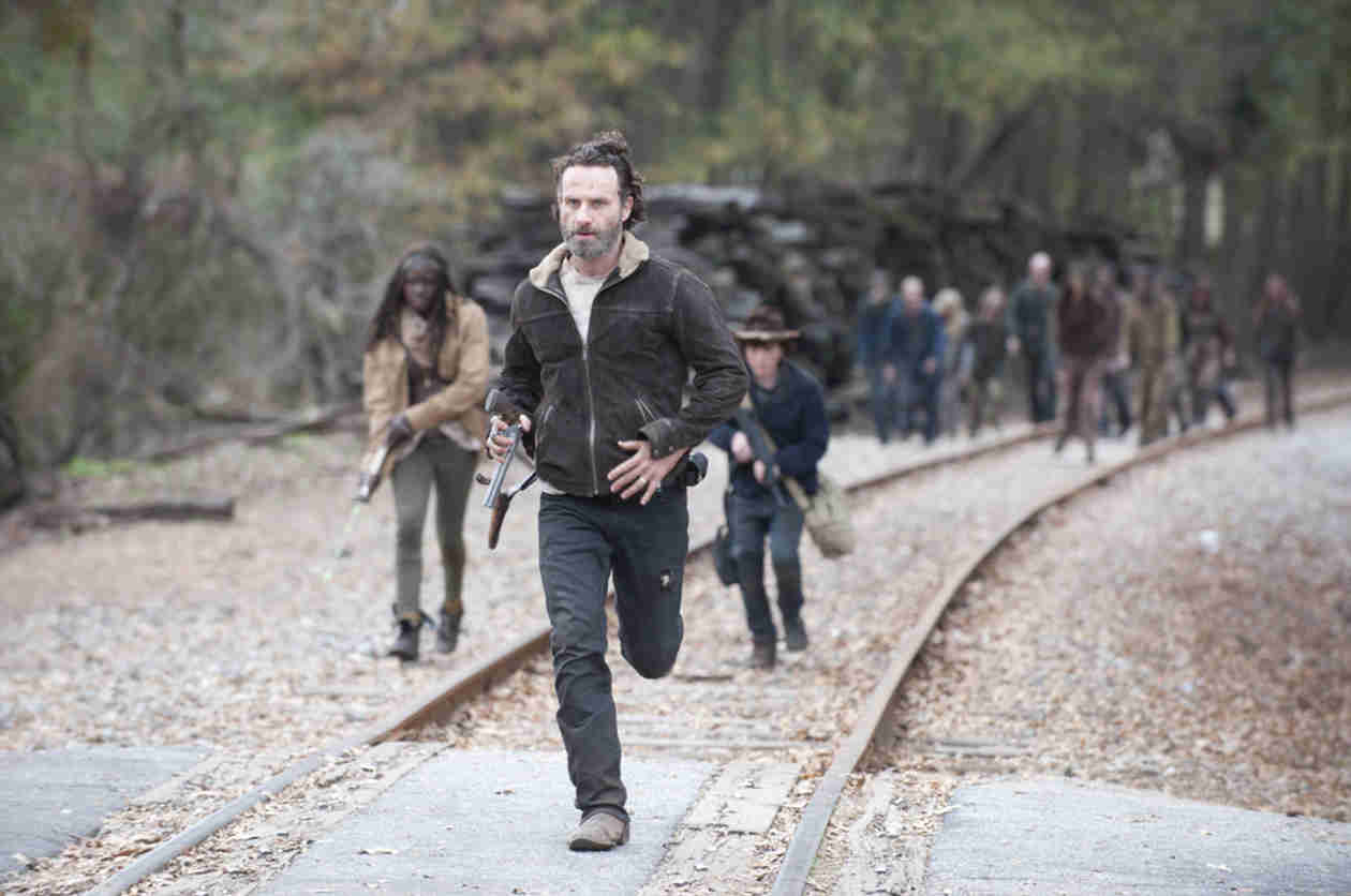"Andrew Lincoln: Walking Dead Season 5's First Episodes Are ""Astonishing"" With ""Emotional Impact"""