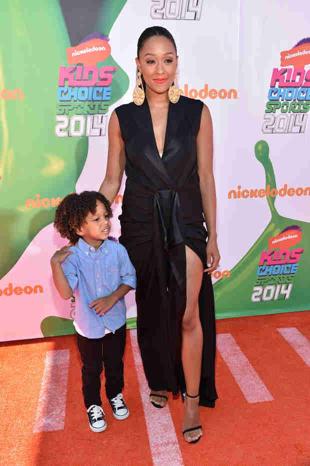 Who Was Tia Mowry's Plus One at the Nickelodeon Kids' Choice Sports Awards? (PHOTO)