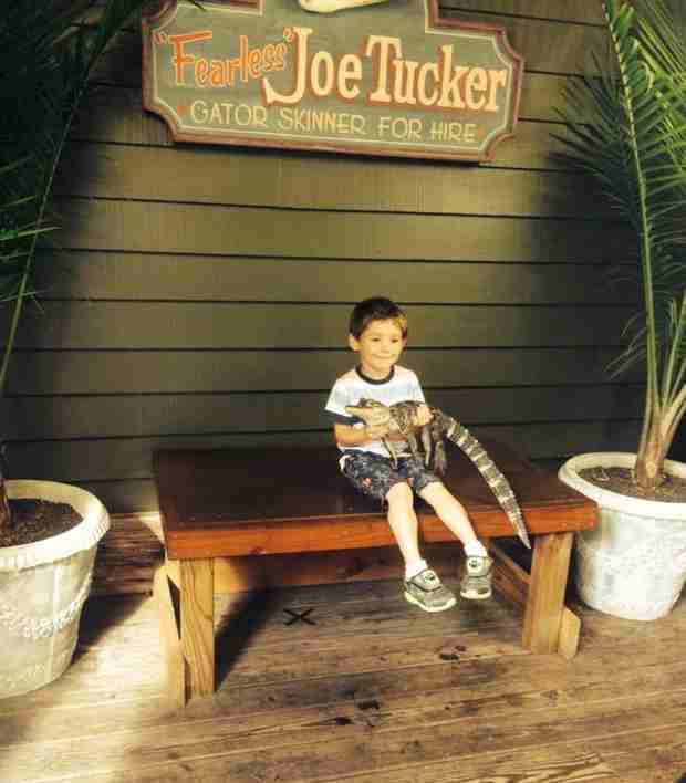 Jenelle Evans Spends Weekend at the Swamp with Her New Family! (PHOTOS)