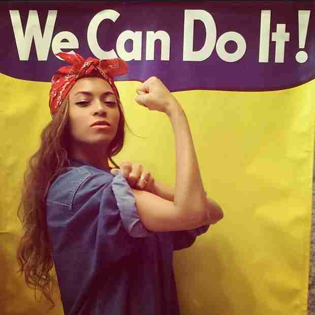 "Beyonce Mimics Famous ""Rosie the Riveter"" Poster on Instagram (PHOTO)"
