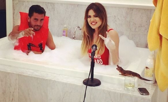 Khloe Kardashian and Scott Disick Take a Bath Together (PHOTO)