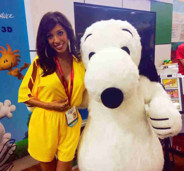 Farrah Abraham Hits Up Comic-Con, Poses With Snoopy and More! (PHOTO)