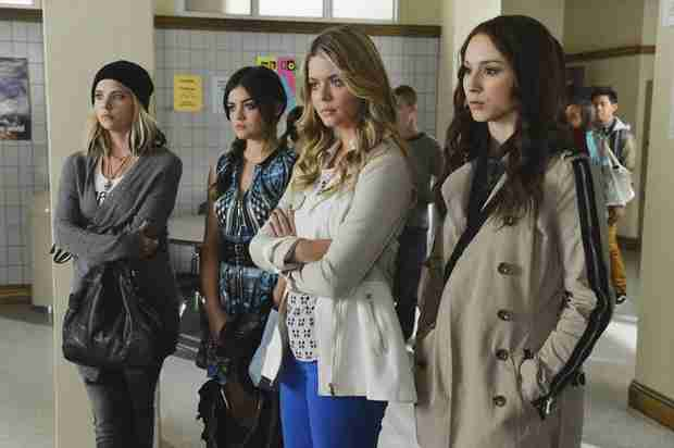 "Pretty Little Liars Season 5, Episode 8 Synopsis — ""Scream For Me"""