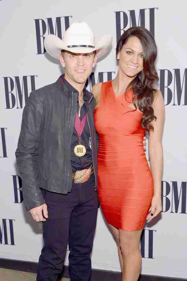 Country Singer Justin Moore Welcomes Third Child! It's a…
