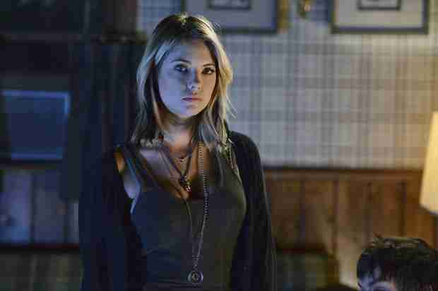 """Pretty Little Liars Season 5, Episode 9 Synopsis: Hanna Hits Rock Bottom in """"March of Crimes"""""""