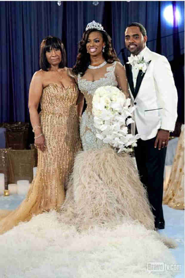Kandi Burruss Reveals Mama Joyce's One Wedding Regret (VIDEO)