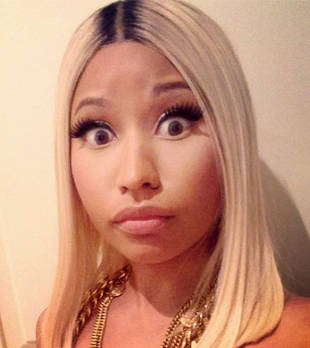 Nicki Minaj Throws Major Shade at Iggy Azalea at 2014 BET Awards (VIDEO)