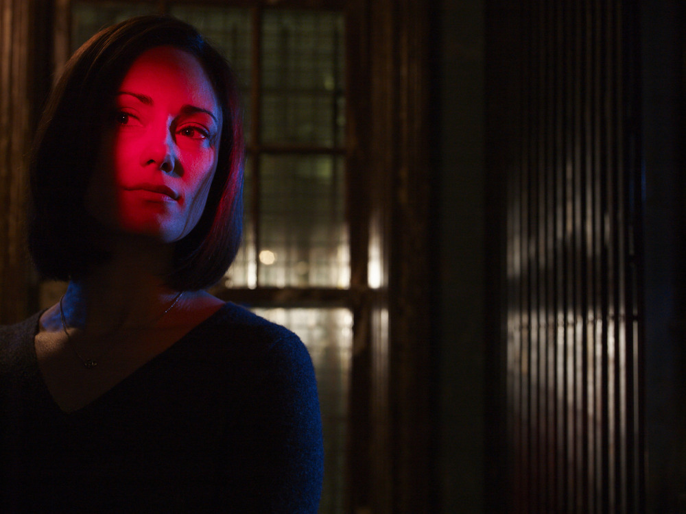 The Strain: Natalie Brown on the Romantic Dilemma Kelly Has… Before the Vampire Doomsday