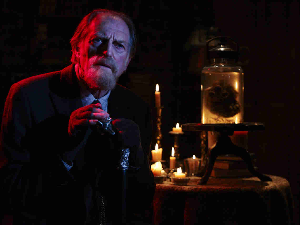 The Strain: David Bradley on Playing an Elderly, Vengeful, Action Hero of a Vampire Expert