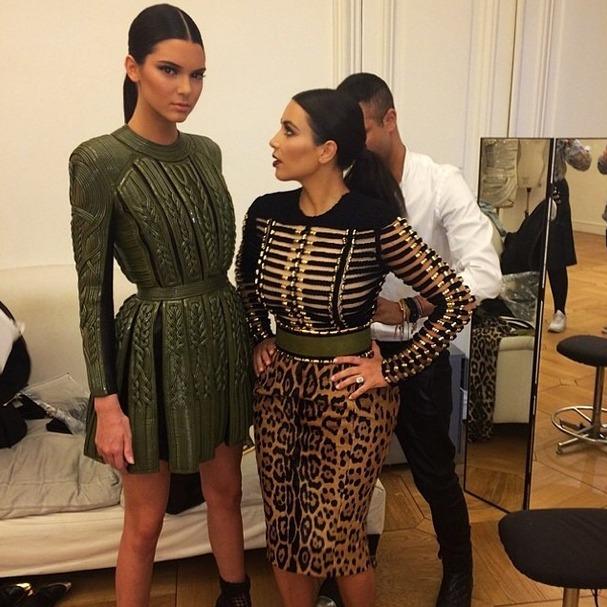 Kendall Jenner Towers Over Kim Kardashian at Balmain Fashion Show (PHOTO)
