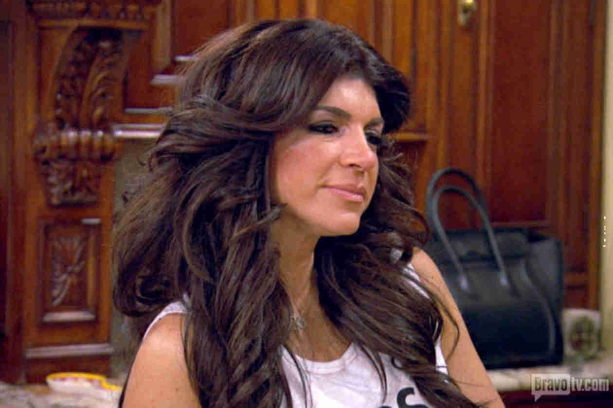 Real Housewives of New Jersey Sneak Peek: Teresa Throws Dessert Party (VIDEO)