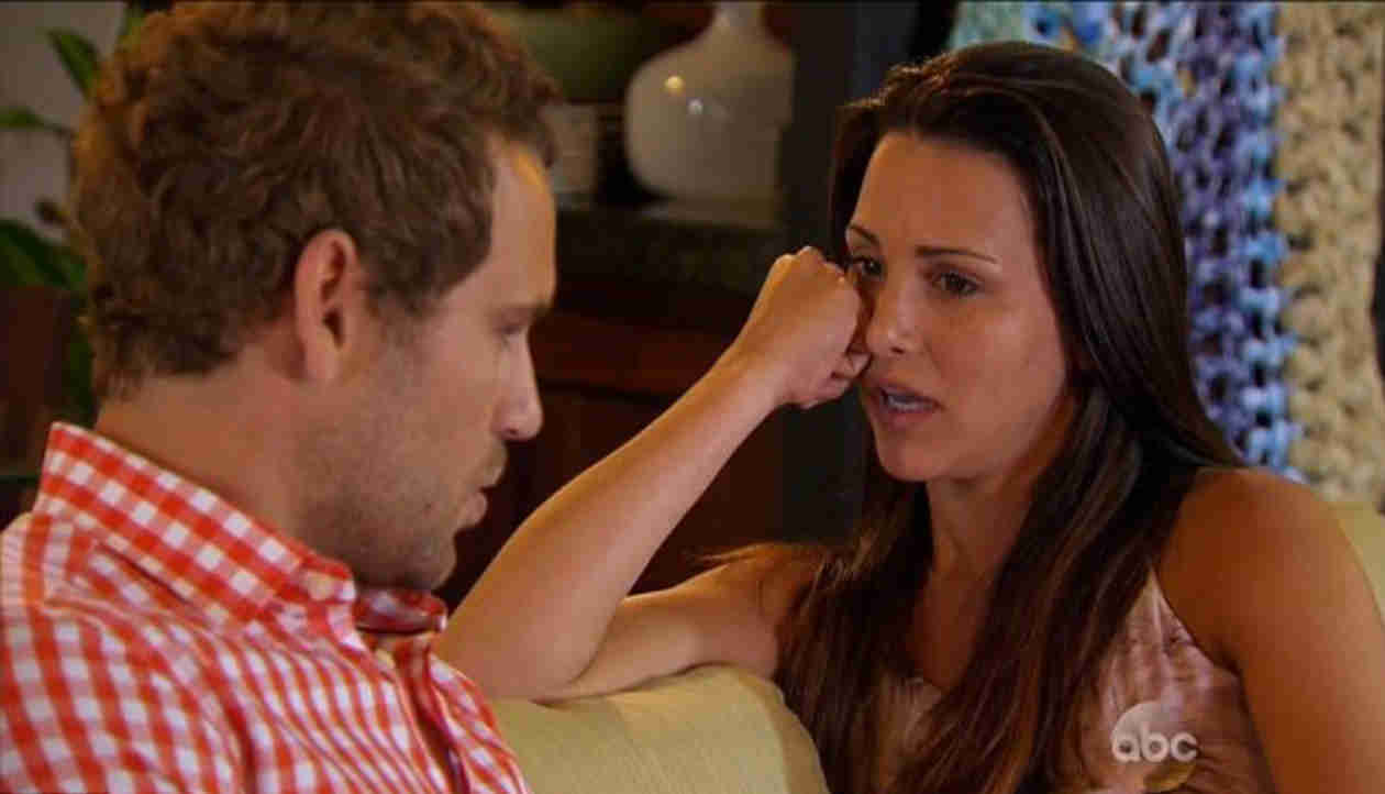 "Andi Dorfman on Nick Viall's Letter: ""We've Moved Past That"" (VIDEO)"