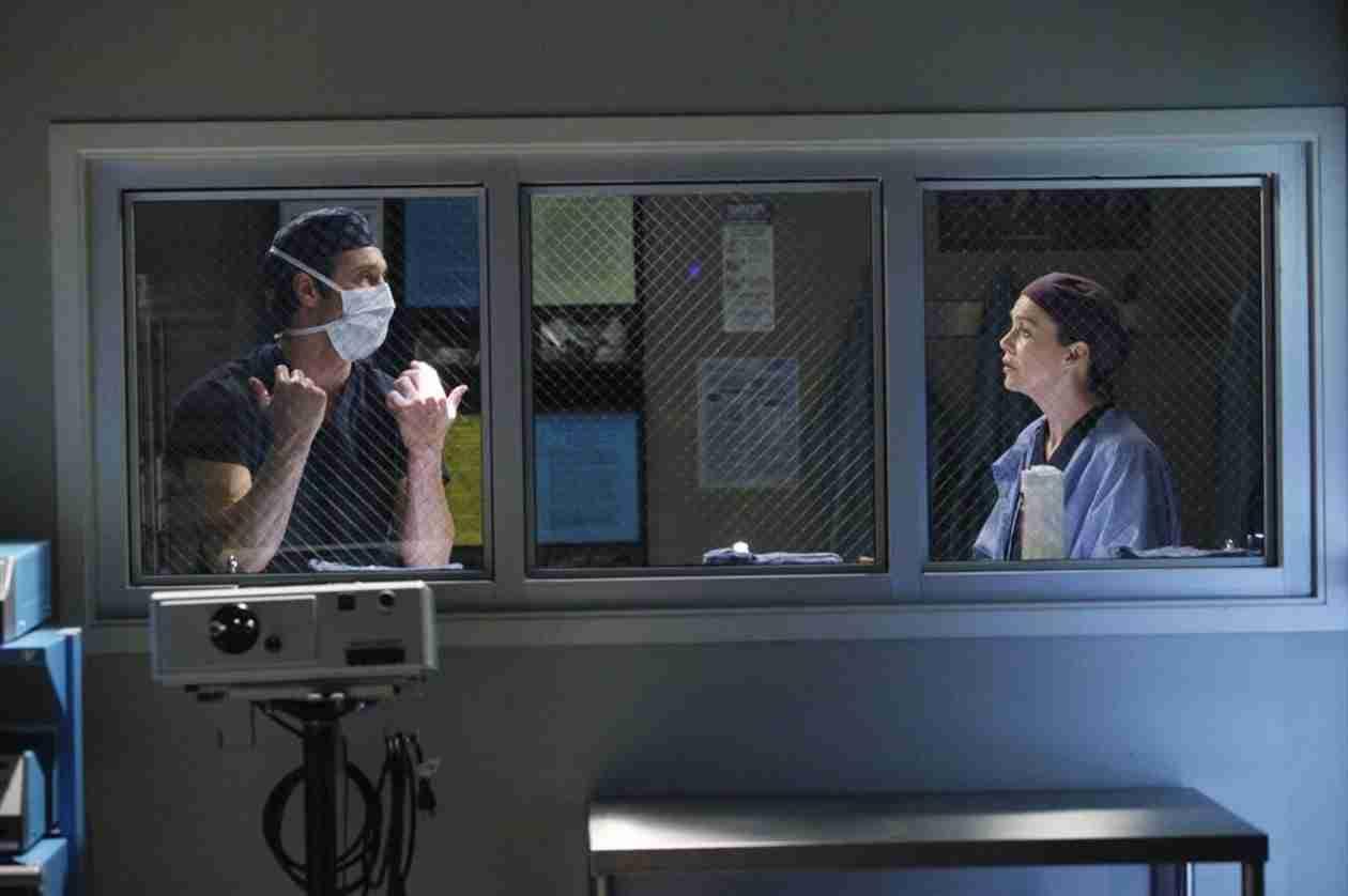 Grey's Anatomy: Shonda Rhimes Dissects Derek's Feelings of Career Superiority