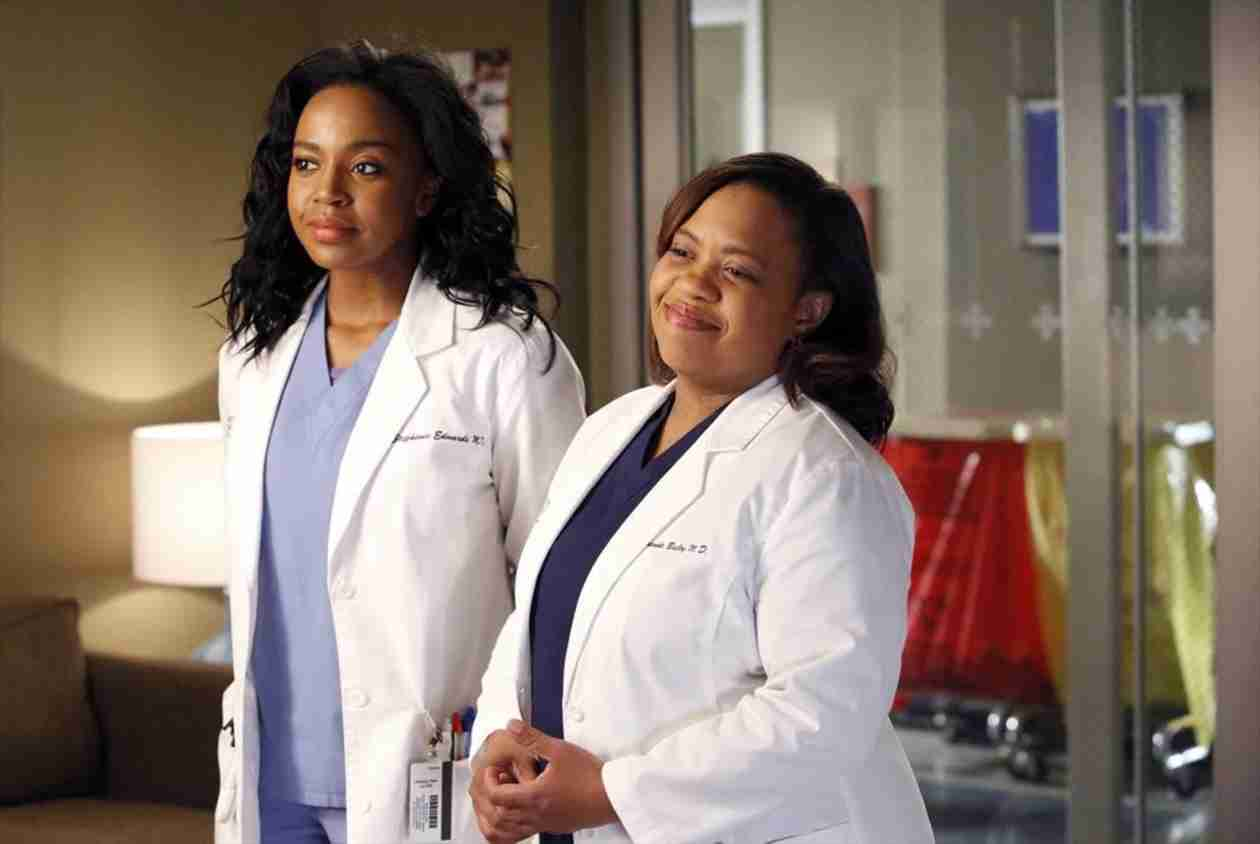 Grey's Anatomy: Shonda Rhimes Posts Photo From Season 11 Table Read!