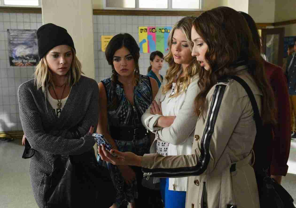 "Pretty Little Liars Logic Fails: Season 5, Episode 6 — ""Thrown From the Ride"""