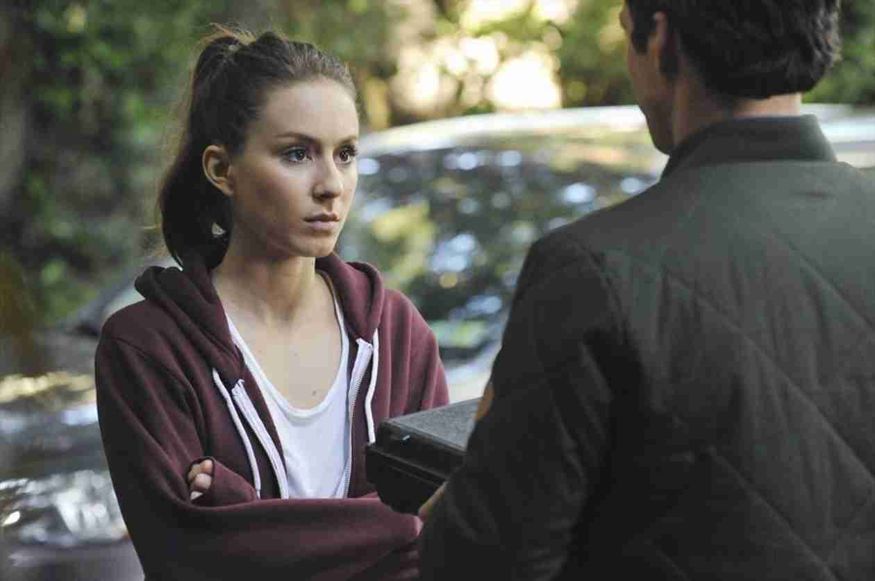 Pretty Little Liars Season 5, Episode 6 Sneak Peek: Mr. Hastings Confronts Spencer (VIDEO)
