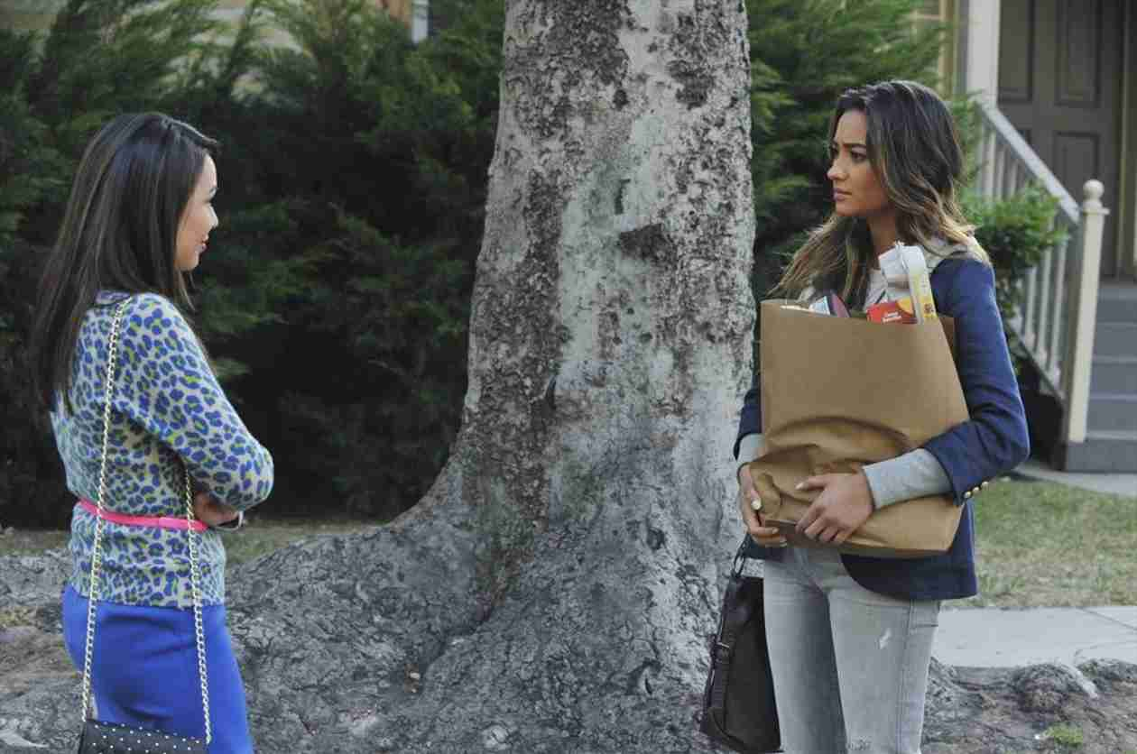 "Pretty Little Liars Promo: Season 5, Episode 7 — ""The Silence of E. Lamb"" (VIDEO)"