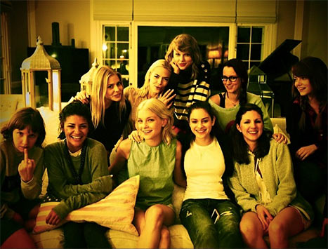 Taylor Swift Celebrates Fourth of July With Lena Dunham and Emma Stone — See The Pics Here! (VIDEO)