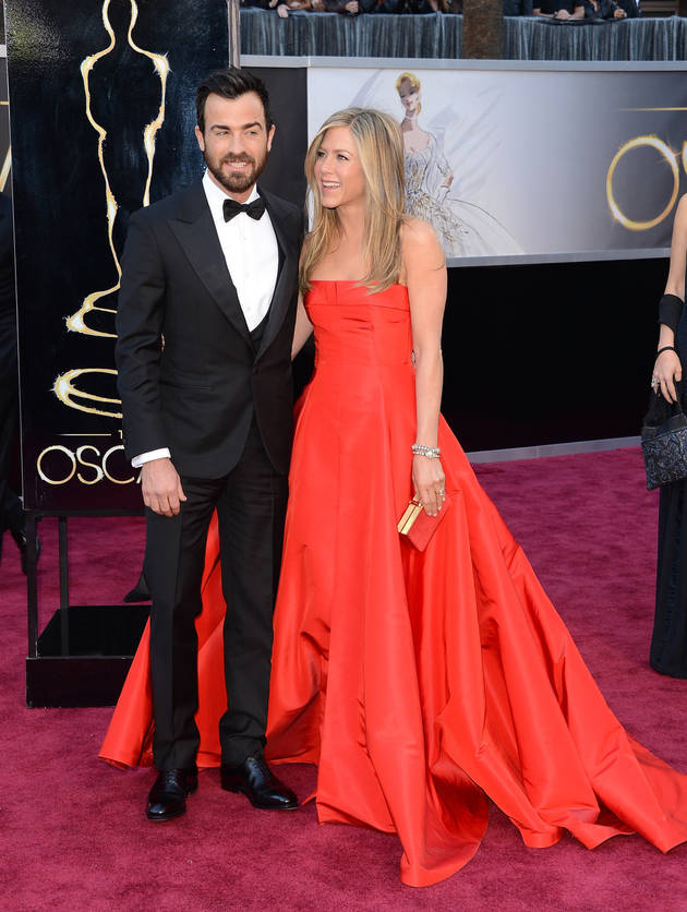 """Justin Theroux On His High Profile Relationship With Jennifer Aniston: """"It Doesn't Feel Difficult"""" (VIDEO)"""