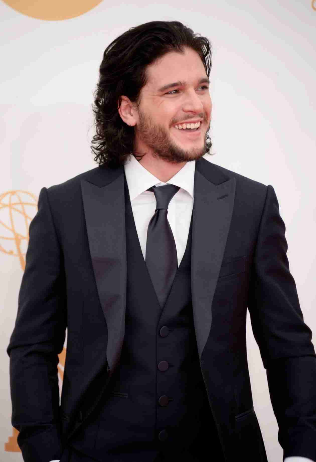 "Game of Thrones Star Kit Harington on Being Objectified: ""I Enjoy It"""