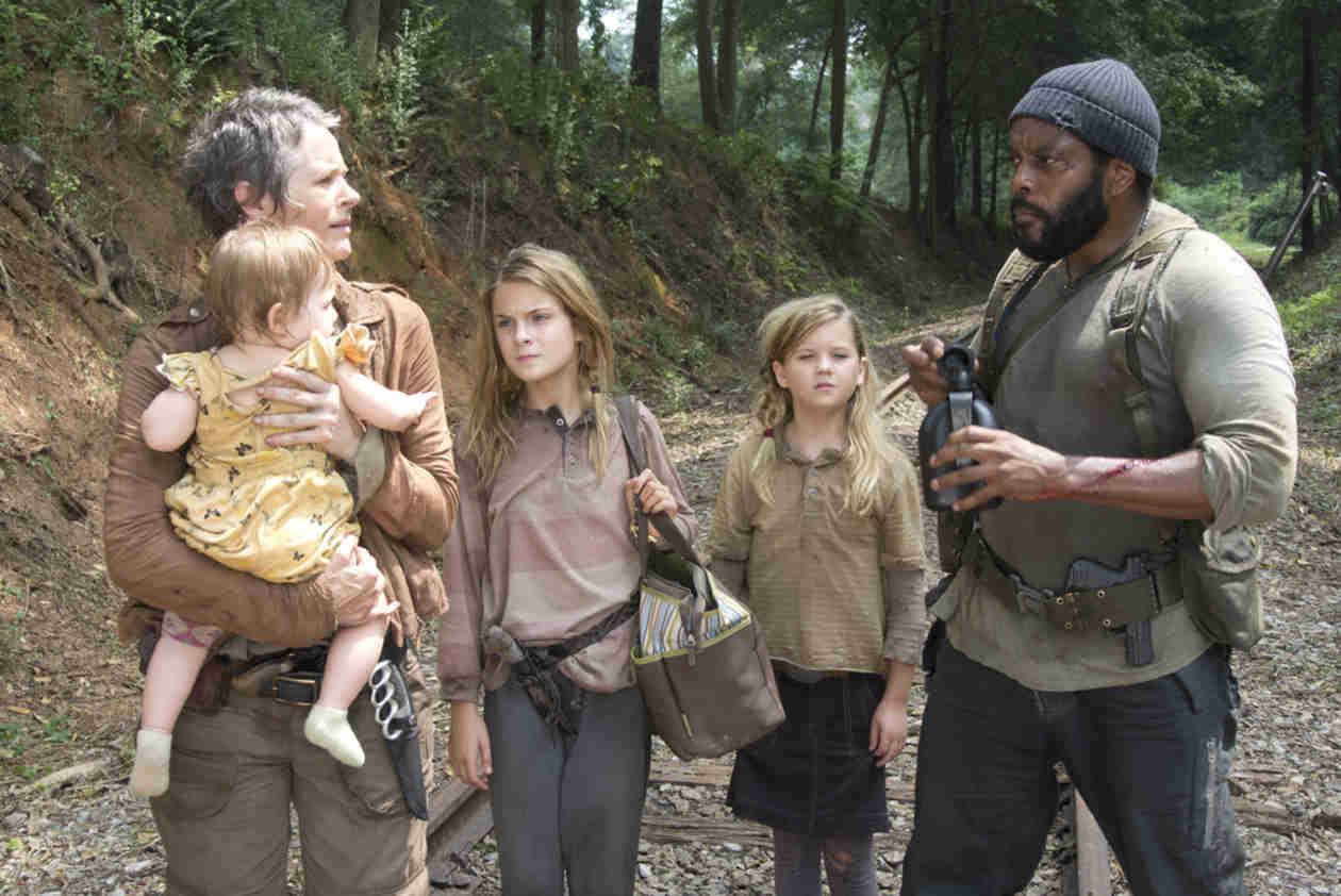 The Walking Dead Season 5: New Photos Show Carol, Judith, Rick