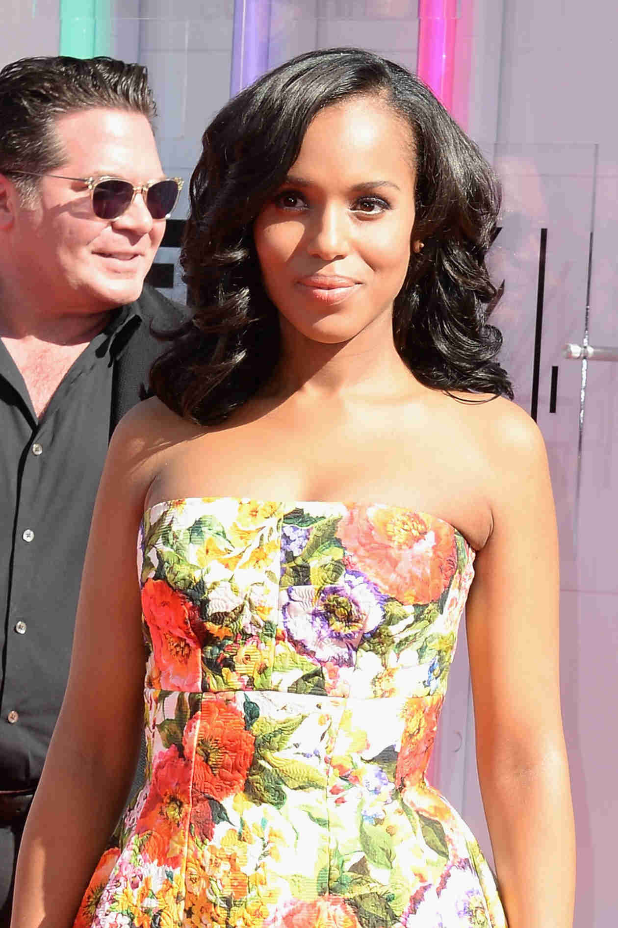 Kerry Washington's Scandal Co-Star Offers to Babysit Her Kid!