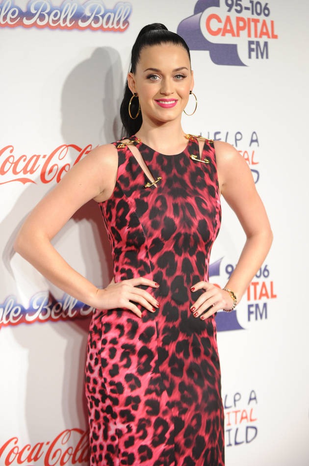 "Katy Perry Sued By Christian Artists Over ""Dark Horse"" (VIDEO)"