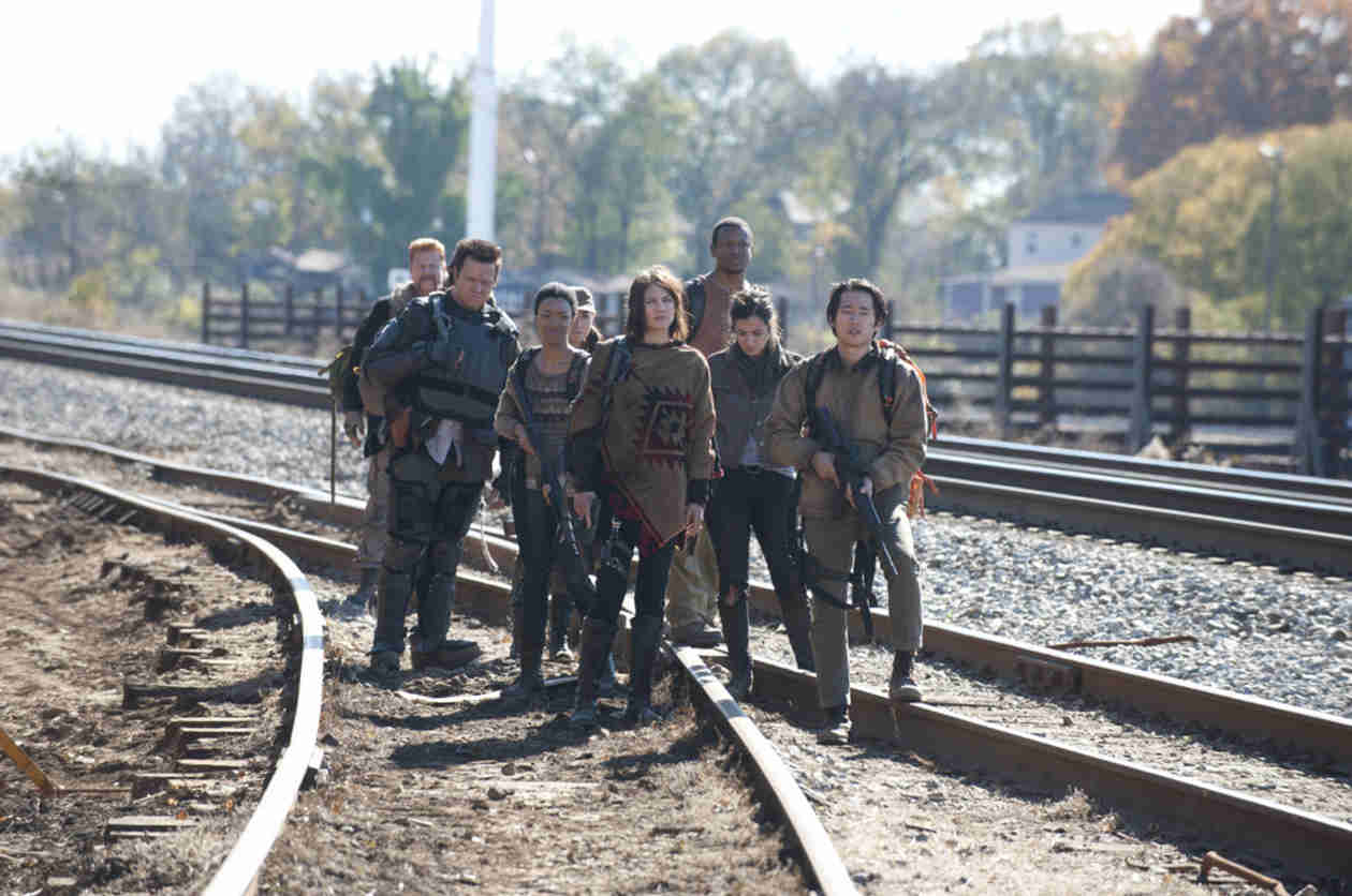 "The Walking Dead Train Car: Who Is Weakest? Strongest? Who'll Be ""Badass"" in Season 5?"