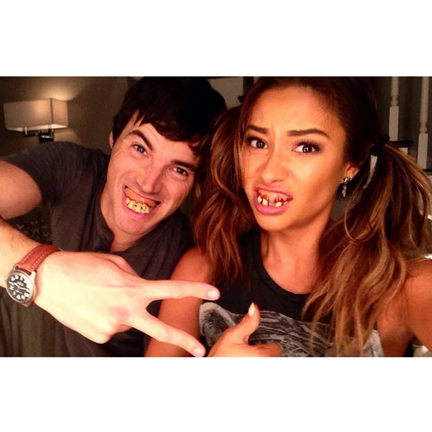 Pretty Little Liars Stars Shay Mitchell and Ian Harding Are Our New Favorites — See Their Hilarious Pic!