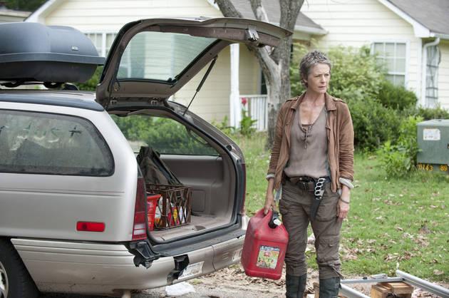 The Walking Dead Season 5 Filming Spoilers: Carol Hit By Car With Cross on It