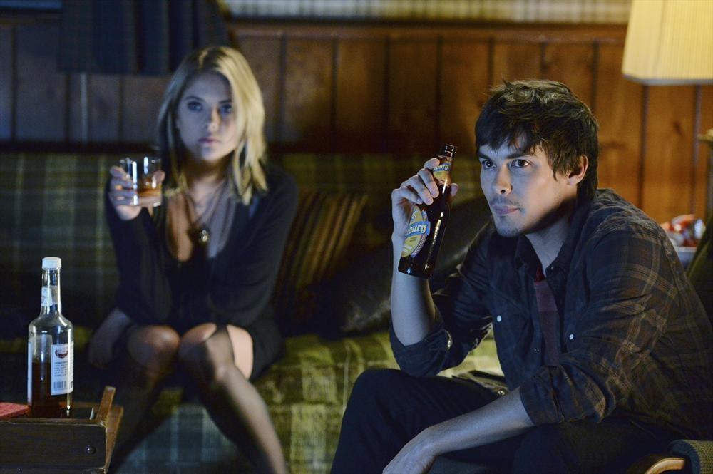 Pretty Little Liars Spoiler Photos: Hanna and Caleb Kiss ...