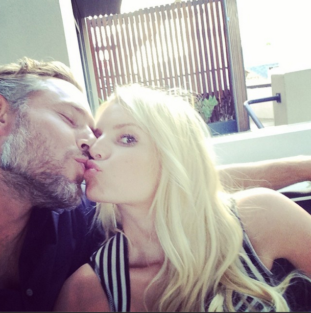 Jessica Simpson Marries Eric Johnson in Star-Studded Wedding! (VIDEO)