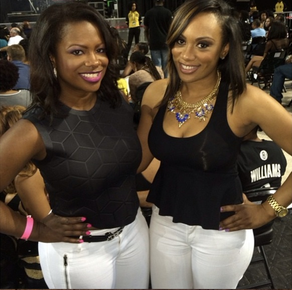 Kandi Burruss and Carmon Cambrice Look Like Twins at Beyonce Concert (PHOTO)