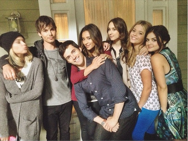 Which Pretty Little Liars Stars Are Besties IRL?