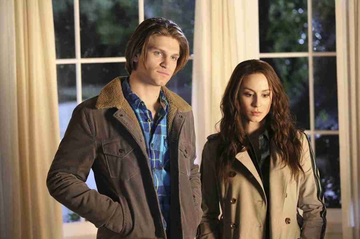 Pretty Little Liars Spoilers: Will Spencer's Lies Tear Spoby Apart?