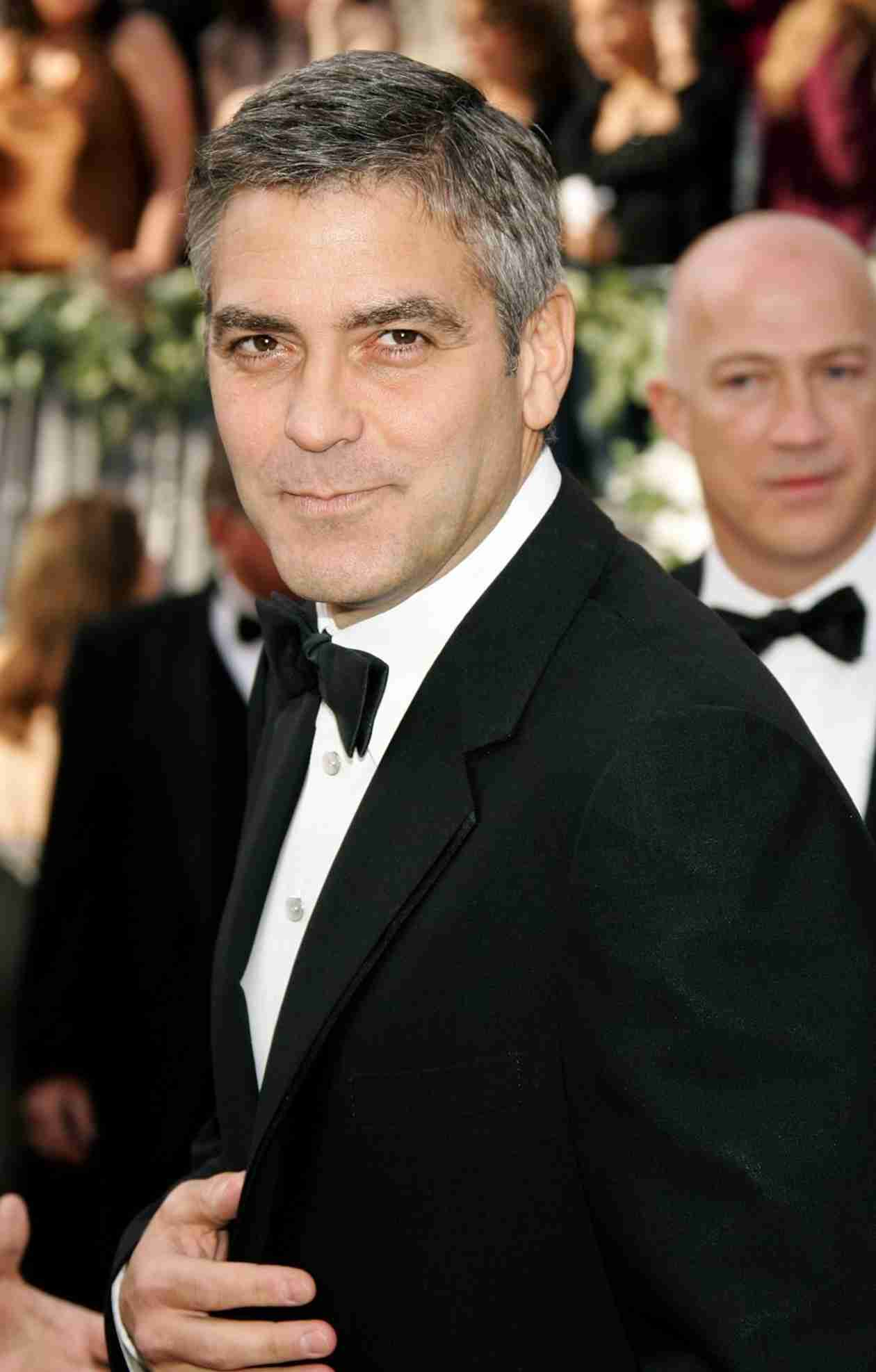 George Clooney Rejects The Daily Mail's Apology For Fabricated Wedding Tensions Story (VIDEO)